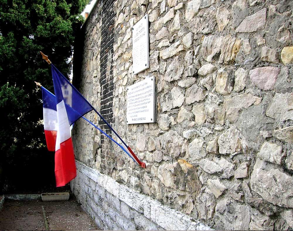 mur-des-fusillés,-dépôt-SNCF-de-Portes-lès-Valence